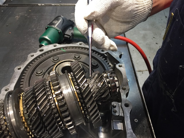Стоимость ремонта МКПП зависит от вида неисправности